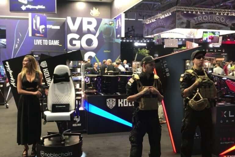 Gamescom 2018 boothbabe