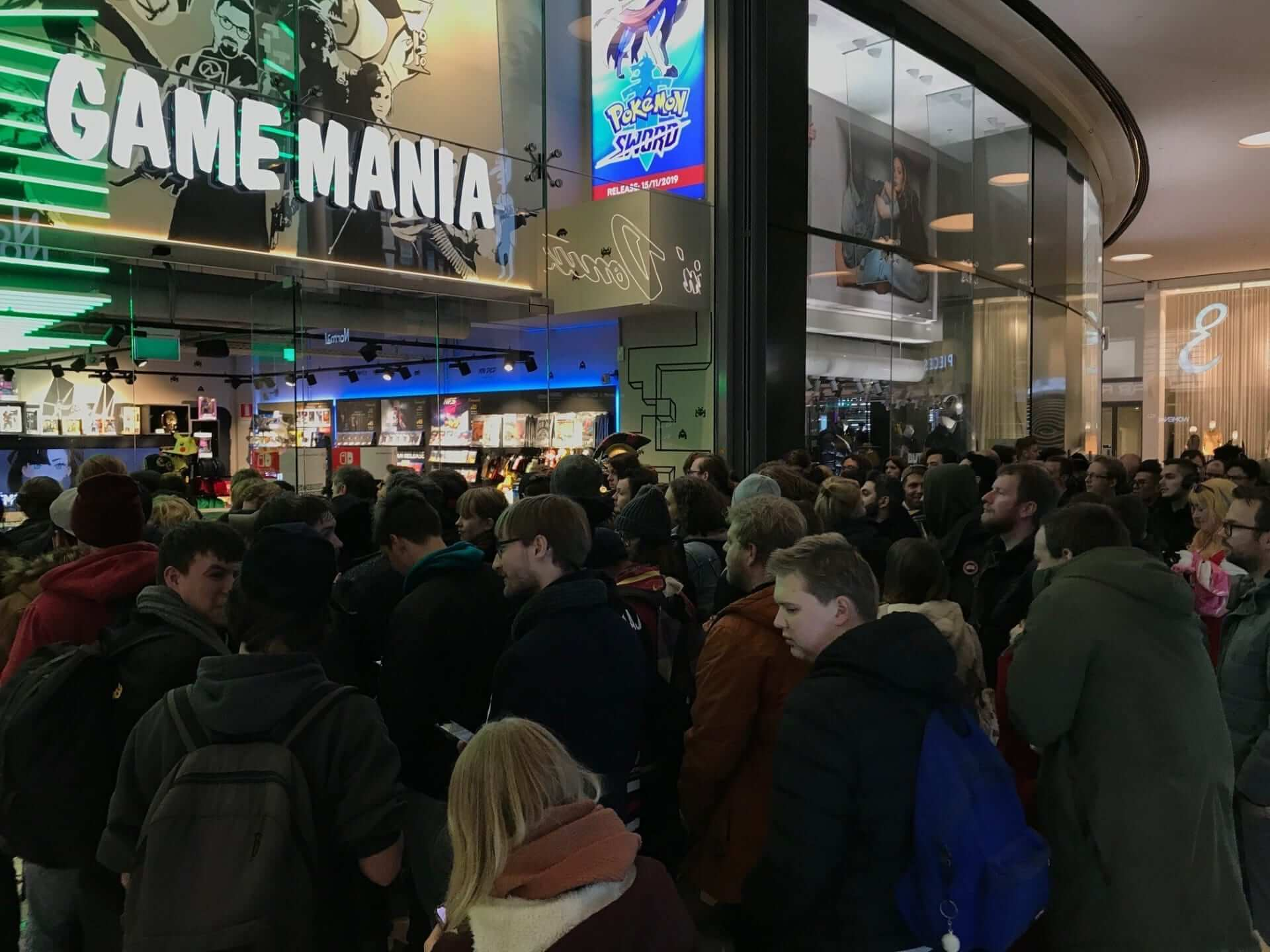 Game Mania Utrecht Pokémon Sword and Shield Midnight Launch