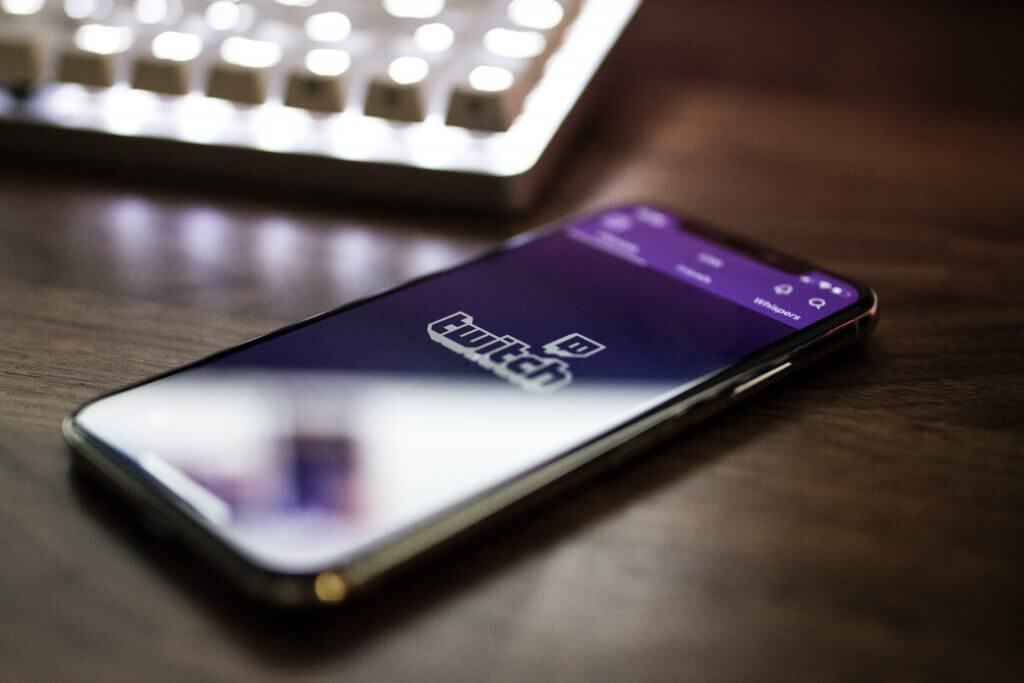 twitch smartphone app