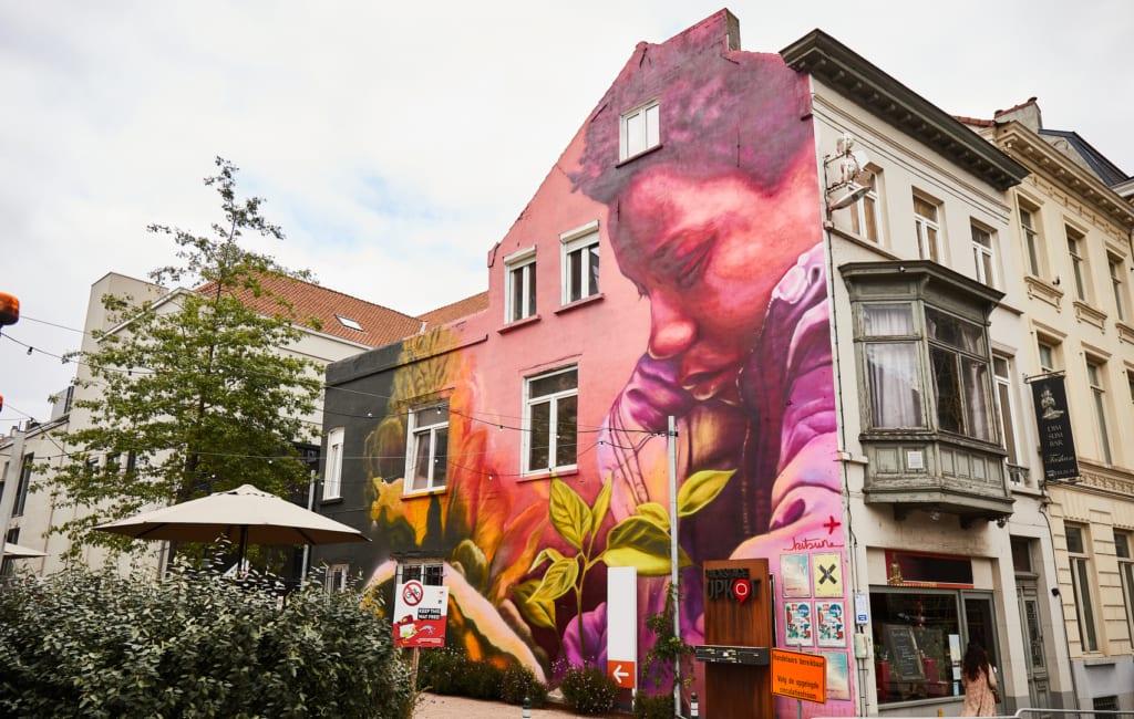 disney plus mural gent